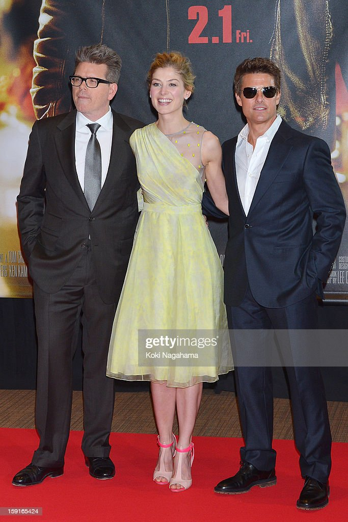 Director Christopher McQuarrie, actress <a gi-track='captionPersonalityLinkClicked' href=/galleries/search?phrase=Rosamund+Pike&family=editorial&specificpeople=208910 ng-click='$event.stopPropagation()'>Rosamund Pike</a> and ctor <a gi-track='captionPersonalityLinkClicked' href=/galleries/search?phrase=Tom+Cruise&family=editorial&specificpeople=156405 ng-click='$event.stopPropagation()'>Tom Cruise</a> pose during the 'Jack Reacher' Japan Premiere at Tokyo International Forum on January 9, 2013 in Tokyo, Japan.