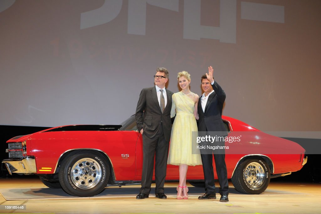 Director Christopher McQuarrie and Actress <a gi-track='captionPersonalityLinkClicked' href=/galleries/search?phrase=Rosamund+Pike&family=editorial&specificpeople=208910 ng-click='$event.stopPropagation()'>Rosamund Pike</a> and Actor <a gi-track='captionPersonalityLinkClicked' href=/galleries/search?phrase=Tom+Cruise&family=editorial&specificpeople=156405 ng-click='$event.stopPropagation()'>Tom Cruise</a> pose during the 'Jack Reacher' Japan Premiere at Tokyo International Forum on January 9, 2013 in Tokyo, Japan.