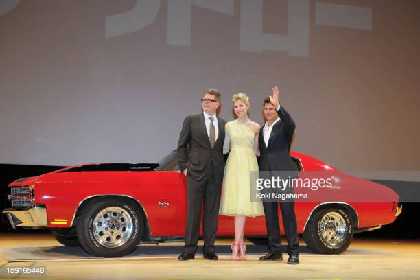 Director Christopher McQuarrie and Actress Rosamund Pike and Actor Tom Cruise pose during the 'Jack Reacher' Japan Premiere at Tokyo International...