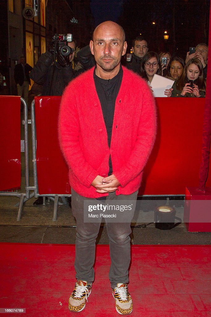 Director Dan Mazer attends the 'Mariage A l'Anglaise' (I Give It A Year) Premiere at Cinema UGC Normandie on April 8, 2013 in Paris, France.