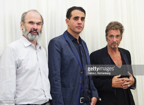 Director Daniel Sullivan Actor Bobby Cannavale and Actor Al Pacino attend the 'Glengarry Glen Ross' Broadway cast photo call at Ballet Hispanico on...