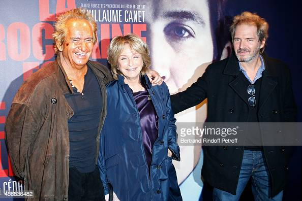 Director Daniele Thompson standing between her husband producer Albert Koski and her son actor Christopher Thompson attend the 'La prochaine fois je...