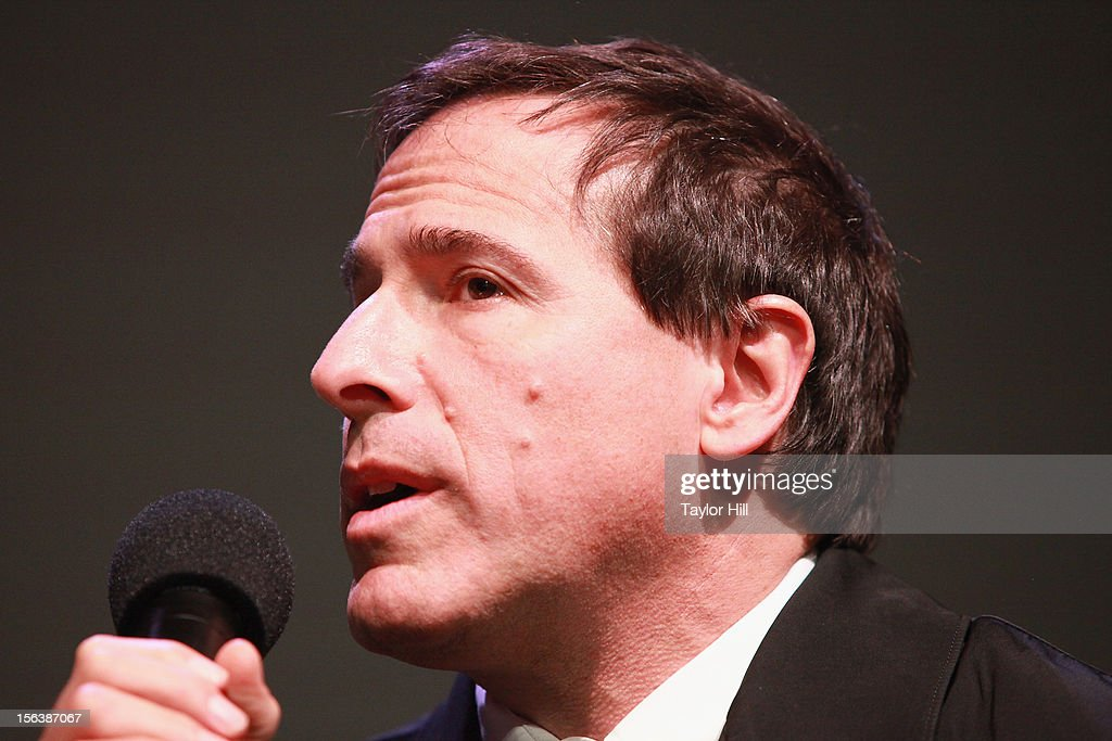 Director <a gi-track='captionPersonalityLinkClicked' href=/galleries/search?phrase=David+O.+Russell&family=editorial&specificpeople=215306 ng-click='$event.stopPropagation()'>David O. Russell</a> speaks at Apple Store Soho on November 13, 2012 in New York City.