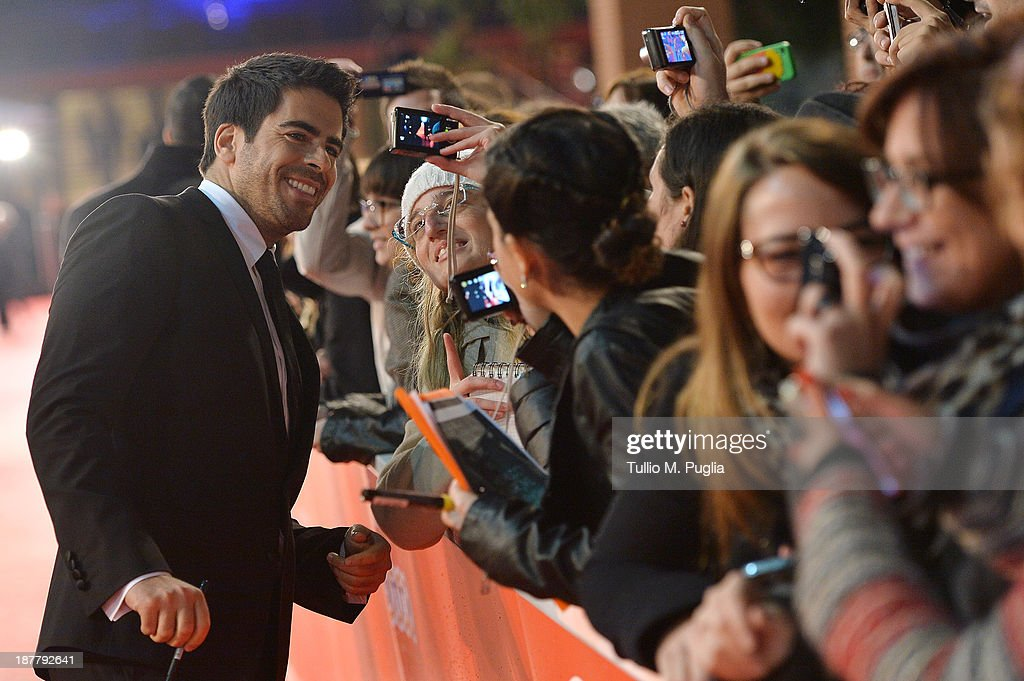 Director <a gi-track='captionPersonalityLinkClicked' href=/galleries/search?phrase=Eli+Roth&family=editorial&specificpeople=543948 ng-click='$event.stopPropagation()'>Eli Roth</a> poses with fans as he attends 'The Green Inferno' Premiere during The 8th Rome Film Festival at Auditorium Parco Della Musica on November 12, 2013 in Rome, Italy.