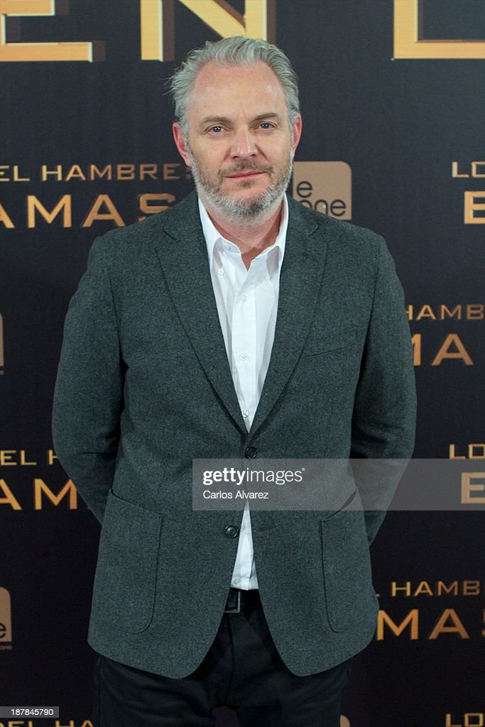 Director <a gi-track='captionPersonalityLinkClicked' href=/galleries/search?phrase=Francis+Lawrence&family=editorial&specificpeople=224820 ng-click='$event.stopPropagation()'>Francis Lawrence</a> attends the Spanish photocall of the film 'The Hunger Games - Catching Fire' (Los Juegos Del Hambre: En Llamas) at the Villamagna Hotel on November 13, 2013 in Madrid, Spain.