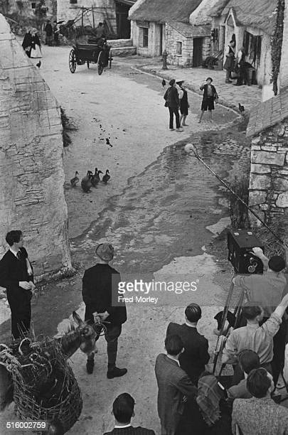 Director Frank Launder at Pinewood Studios on the set of the film 'Captain Boycott' Buckinghamshire UK 21st November 1946 An Irish village has been...