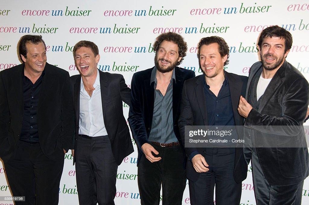 Director Gabriel Muccino, Giorgio Pasotti, Claudio Santamaria, Stefano Accorsi and Pierfrancesco Favino attend the premiere of 'Encore Un Baiser' in Paris.