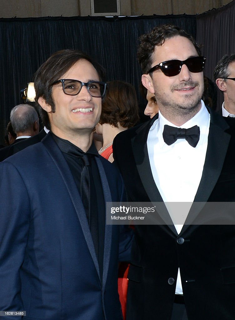 Director Gael Garcia Bernal (L) and actor Pablo Larraín Matte arrive at the Oscars at Hollywood & Highland Center on February 24, 2013 in Hollywood, California.