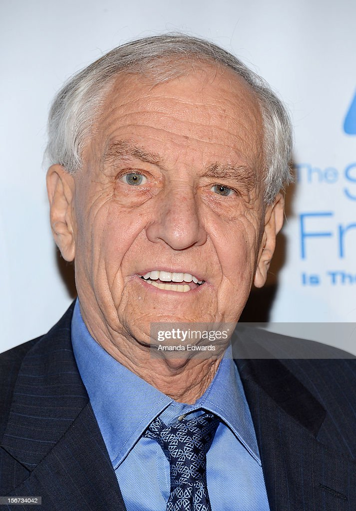 Director Garry Marshall arrives at the Saban Free Clinic's 36th Annual Dinner Gala at The Beverly Hilton Hotel on November 19, 2012 in Beverly Hills, California.