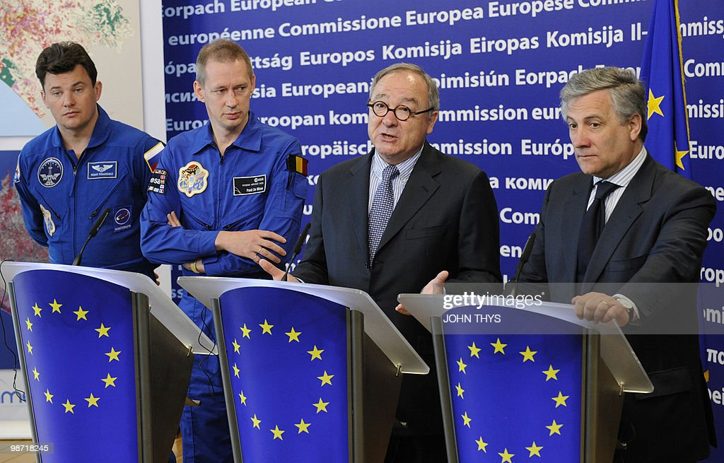Director General of the European Space Agency (ESA) Jean-Jacques Dordain (2ndR) speaks during the joint press with (LtoR) Canadian Astronaut Robert Thirsk (unseen), Russian Cosmonaut Roman Romanenko Belgian Astronaut of the European Space Agency (ESA) Frank De Winne and Vice President of the EC in charge of Industry and Entrepreneurship Antonio Tajani (R) at the EU headquarters in Brussels on April 28, 2010. AFP PHOTO / JOHN THYS