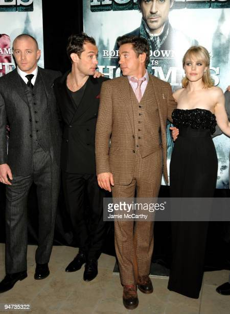 Director Guy Ritchie Actor Jude Law Actor Robert Downey Jr and Actress Rachel McAdams attend the New York premiere of 'Sherlock Holmes' at the Alice...
