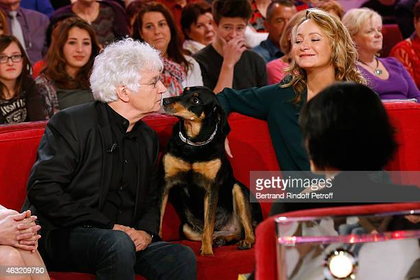 Director JeanJacques Annaud Humorist Julie Ferrier and her dog attend the 'Vivement Dimanche' French TV Show Held at Pavillon Gabriel on February 11...