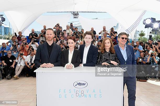 Director Joachim Trier actors Rachel Brosnahan Devin Druid Gabriel Byrne and Isabelle Huppert attend the 'Louder Than Bombs' Photocall during the...