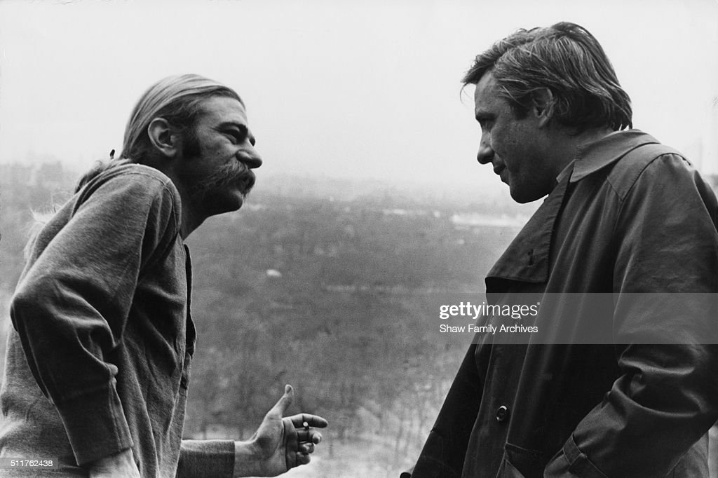 Director/Actor Fetiche - Página 2 Director-john-cassavetes-and-actor-seymour-cassel-in-1971-during-the-picture-id511762438