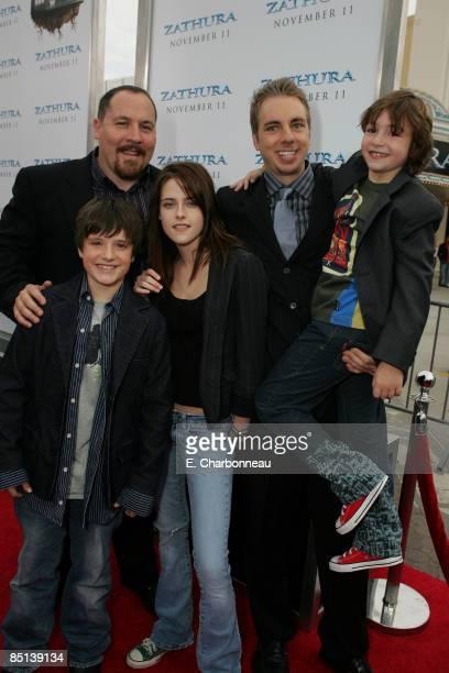 Director Jon Favreau Josh Hutcherson Kristen Stewart Dax Shepard and Jonah Bobo