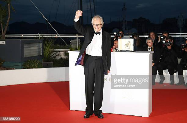 Director Ken Loach poses with The Palme d'Or for the movie 'IDaniel Blake' at the Palme D'Or Winners Photocal during the 69th annual Cannes Film...