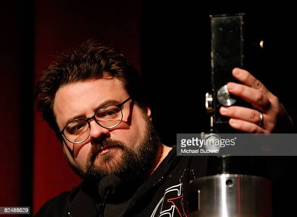 Director Kevin Smith speaks after receiving the Vision Award at the Filmmakers Alliance Visionfest 2008 at the Directors Guild of America on August...