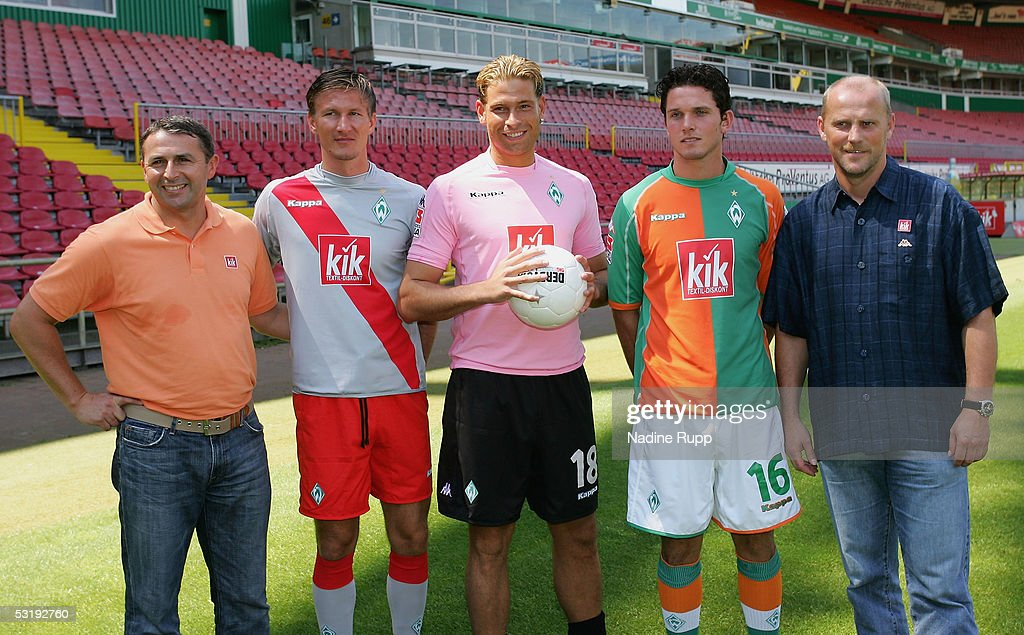 Director Klaus Allofs, the new player Jurica Vranjes, goalie <a gi-track='captionPersonalityLinkClicked' href=/galleries/search?phrase=Tim+Wiese&family=editorial&specificpeople=635015 ng-click='$event.stopPropagation()'>Tim Wiese</a>, Leon Andreasen and coach Thomas Schaaf pose after the press conference of Werder Bremen on July 4, 2005 in Bremen, Germany.