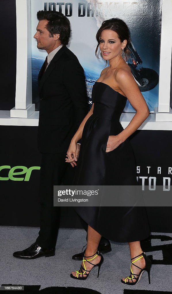 Director Len Wiseman (L) and wife actress Kate Beckinsale attend the premiere of Paramount Pictures' 'Star Trek Into Darkness' at the Dolby Theatre on May 14, 2013 in Hollywood, California.