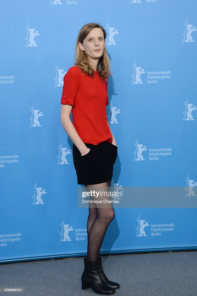 Actress <a gi-track='captionPersonalityLinkClicked' href=/galleries/search?phrase=Mia+Hansen-Love&family=editorial&specificpeople=5846800 ng-click='$event.stopPropagation()'>Mia Hansen-Love</a> attends the 'Things to Come' (L'avenir) photo call during the 66th Berlinale International Film Festival Berlin at Grand Hyatt Hotel on February 13, 2016 in Berlin, Germany.