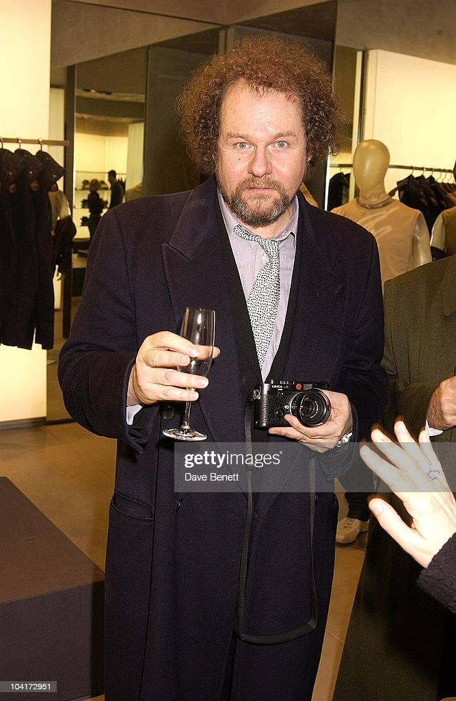 Director Mike Figgis, Russell Crowe Oscar Nomination Cocktail & Dinner Party, New Giorgio Armani Shop, Bond Street & Supper & Hakkasan, London.