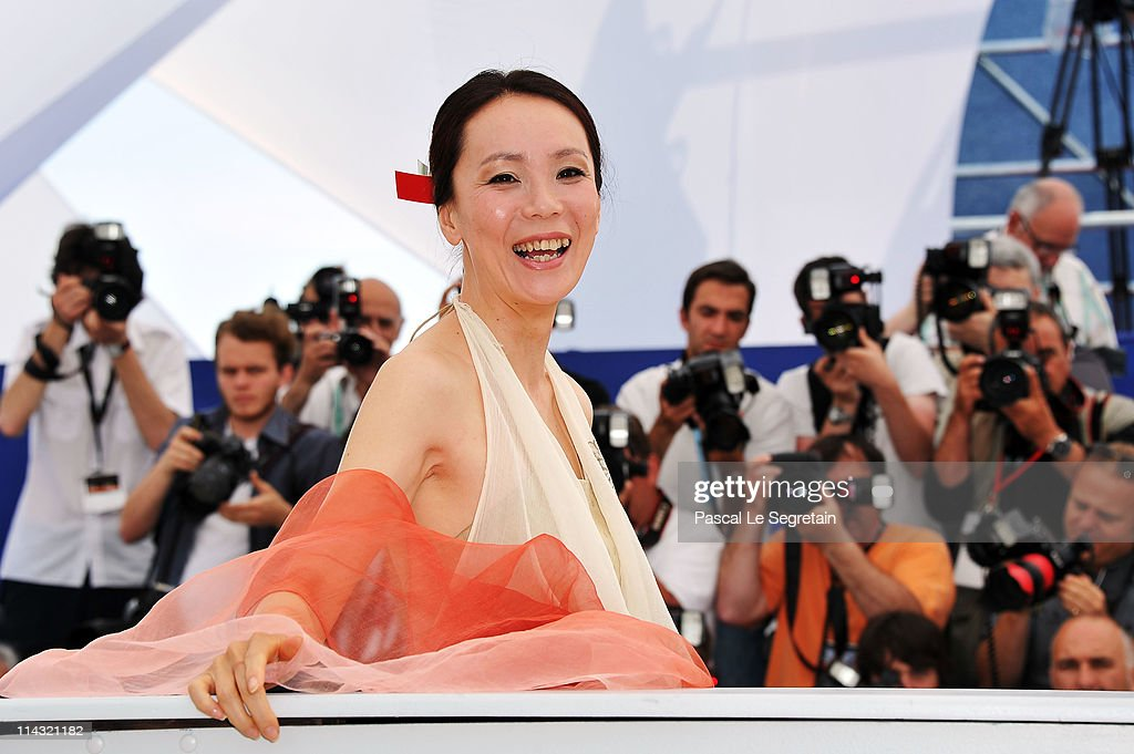 Director <a gi-track='captionPersonalityLinkClicked' href=/galleries/search?phrase=Naomi+Kawase&family=editorial&specificpeople=3267953 ng-click='$event.stopPropagation()'>Naomi Kawase</a> attends the 'Hanezu No Tsuki' photocall at the Palais des Festivals during the 64th Cannes Film Festival on May 18, 2011 in Cannes, France.