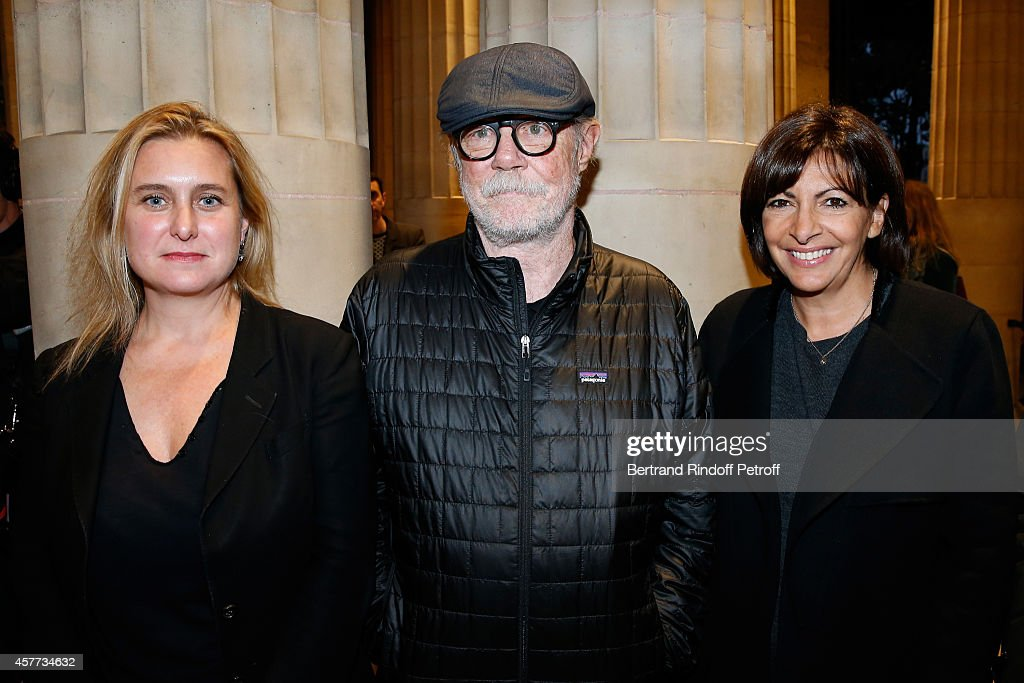 Director of cultural programmes of Monnaie de Paris Chiara Parisi, Artist <a gi-track='captionPersonalityLinkClicked' href=/galleries/search?phrase=Paul+McCarthy+-+Artista&family=editorial&specificpeople=13704720 ng-click='$event.stopPropagation()'>Paul McCarthy</a> and Mayor of Paris <a gi-track='captionPersonalityLinkClicked' href=/galleries/search?phrase=Anne+Hidalgo&family=editorial&specificpeople=590989 ng-click='$event.stopPropagation()'>Anne Hidalgo</a> attend the Monnaie De Paris : Reopening Party with Opening of the McCarthy Exhibition, on October 23, 2014 in Paris, France.