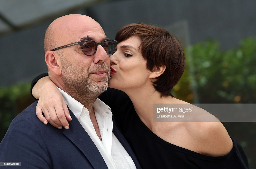 Director <a gi-track='captionPersonalityLinkClicked' href=/galleries/search?phrase=Paolo+Virzi&family=editorial&specificpeople=3021843 ng-click='$event.stopPropagation()'>Paolo Virzi</a> and actress <a gi-track='captionPersonalityLinkClicked' href=/galleries/search?phrase=Micaela+Ramazzotti&family=editorial&specificpeople=2855748 ng-click='$event.stopPropagation()'>Micaela Ramazzotti</a> attend a photocall for 'La Pazza Gioia' at Visconti Palace Hotel on May 6, 2016 in Rome, Italy.