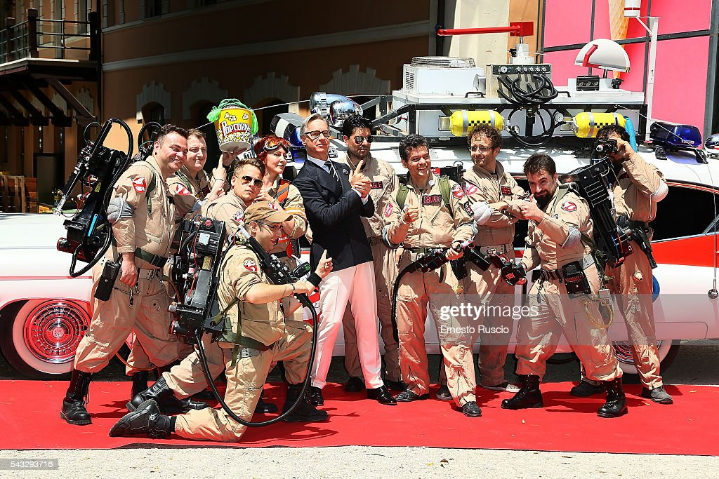 Director <a gi-track='captionPersonalityLinkClicked' href=/galleries/search?phrase=Paul+Feig&family=editorial&specificpeople=2367893 ng-click='$event.stopPropagation()'>Paul Feig</a> (C) attends the 'Ghostbusters' photocall at La Casa Del Cinema on June 27, 2016 in Rome, Italy.