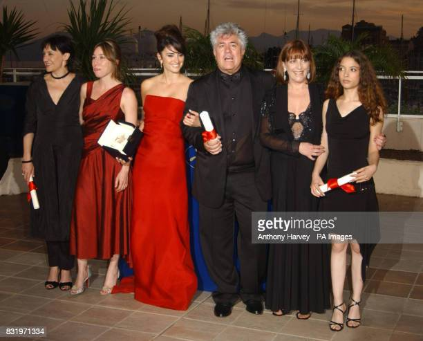 Director Pedro Almodovar with his award for Best Screenplay for his film Volver and the Best Actresses Yohana Cobo Carmen Maura Penelope Cruz Lola...