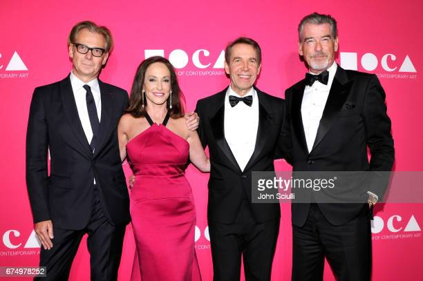 MOCA Director Philippe Vergne MOCA Board CoChair Lilly Tartikoff Karatz Honoree Jeff Koons and actor Pierce Brosnan at the MOCA Gala 2017 honoring...