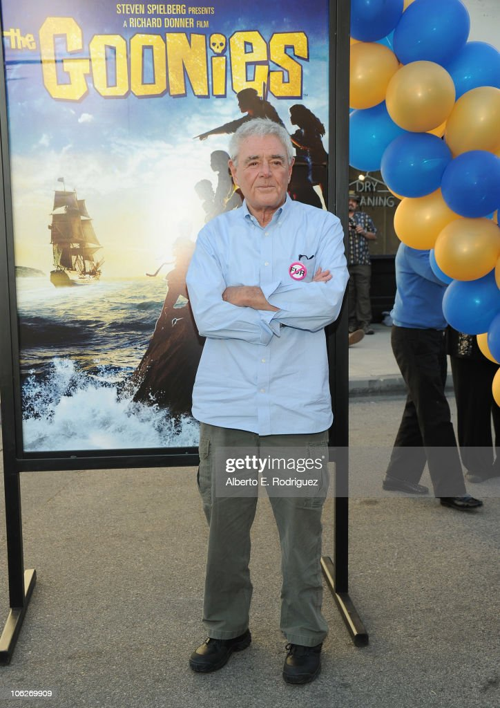 Director <a gi-track='captionPersonalityLinkClicked' href=/galleries/search?phrase=Richard+Donner&family=editorial&specificpeople=549614 ng-click='$event.stopPropagation()'>Richard Donner</a> attends the Warner Bros. 25th Anniversary celebration of 'The Goonies' on October 27, 2010 in Burbank, California.
