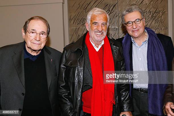 Director Robert Hossein actor JeanPaul Belmondo and Secretary General of the French cinematheque Serge Toubiana pose backstage following the show of...