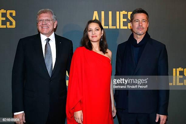 Director Robert Zemeckis actors Marion Cotillard and Brad Pitt attend the 'Allied Allies' Paris Premiere at Cinema UGC Normandie on November 20 2016...