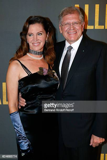Director Robert Zemeckis and his wife Leslie Harter Zemeckis attend the 'Allied Allies' Paris Premiere at Cinema UGC Normandie on November 20 2016 in...