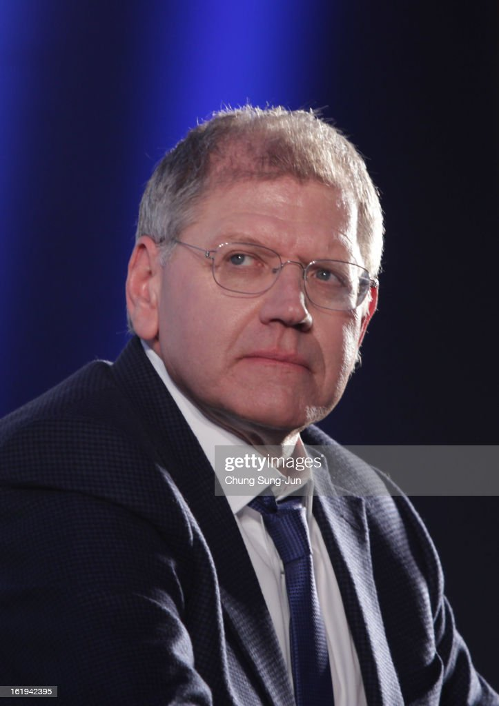 Director <a gi-track='captionPersonalityLinkClicked' href=/galleries/search?phrase=Robert+Zemeckis&family=editorial&specificpeople=211550 ng-click='$event.stopPropagation()'>Robert Zemeckis</a> attends during a press conference at Conrad hotel on February 18, 2013 in Seoul, South Korea. <a gi-track='captionPersonalityLinkClicked' href=/galleries/search?phrase=Robert+Zemeckis&family=editorial&specificpeople=211550 ng-click='$event.stopPropagation()'>Robert Zemeckis</a> is visiting South Korea to promote his recent film 'Flight' which will be released in South Korea on February 28.