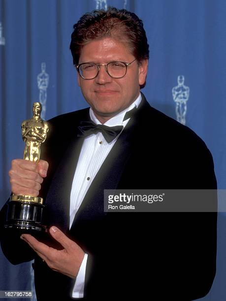 Director Robert Zemeckis attends the 67th Annual Academy Awards on March 27 1995 at Shrine Auditorium in Los Angeles California
