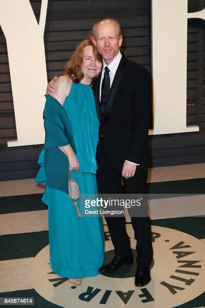 Director Ron Howard and Cheryl Howard attend the 2017 Vanity Fair Oscar Party hosted by Graydon Carter at the Wallis Annenberg Center for the...