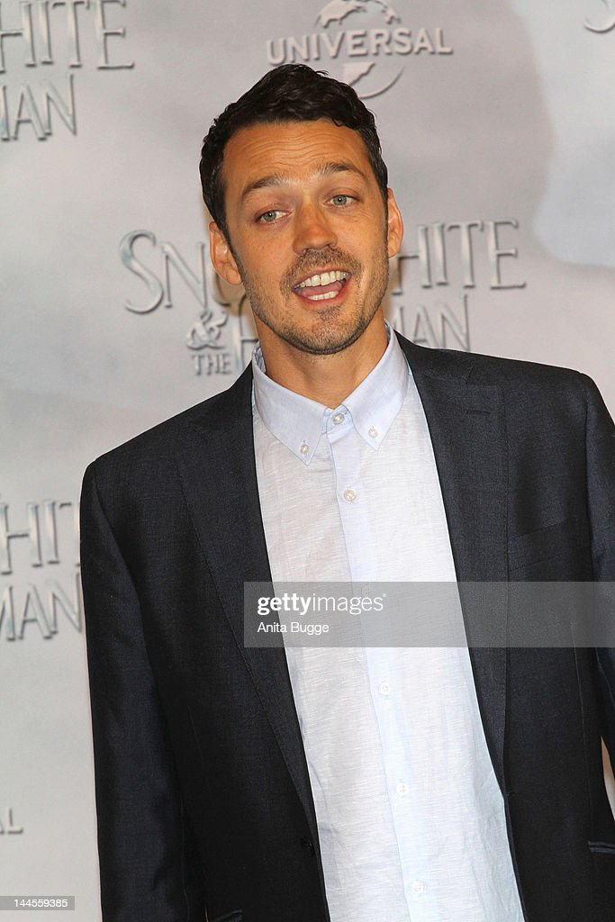 Director Rupert Sanders attends the 'Snow White And The Huntsman' photocall at Ritz Carlton Hotel on May 16, 2012 in Berlin, Germany.