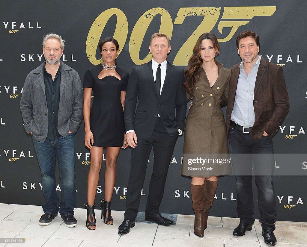 Director <a gi-track='captionPersonalityLinkClicked' href=/galleries/search?phrase=Sam+Mendes&family=editorial&specificpeople=211300 ng-click='$event.stopPropagation()'>Sam Mendes</a>, actors <a gi-track='captionPersonalityLinkClicked' href=/galleries/search?phrase=Naomie+Harris&family=editorial&specificpeople=238918 ng-click='$event.stopPropagation()'>Naomie Harris</a>, Daniel Craig, Bernice Marlohe and <a gi-track='captionPersonalityLinkClicked' href=/galleries/search?phrase=Javier+Bardem&family=editorial&specificpeople=209334 ng-click='$event.stopPropagation()'>Javier Bardem</a> attend 'Skyfall' Cast Photo Call at Crosby Street Hotel on October 15, 2012 in New York City.