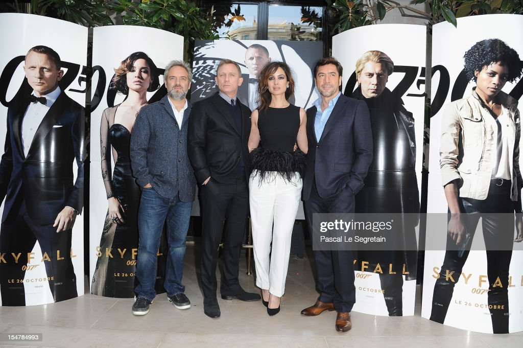 Director <a gi-track='captionPersonalityLinkClicked' href=/galleries/search?phrase=Sam+Mendes&family=editorial&specificpeople=211300 ng-click='$event.stopPropagation()'>Sam Mendes</a> poses with actors Daniel Craig, <a gi-track='captionPersonalityLinkClicked' href=/galleries/search?phrase=Berenice+Marlohe&family=editorial&specificpeople=6966628 ng-click='$event.stopPropagation()'>Berenice Marlohe</a> and <a gi-track='captionPersonalityLinkClicked' href=/galleries/search?phrase=Javier+Bardem&family=editorial&specificpeople=209334 ng-click='$event.stopPropagation()'>Javier Bardem</a> during a photocall for the film 'Skyfall' at Hotel George V on October 25, 2012 in Paris, France.