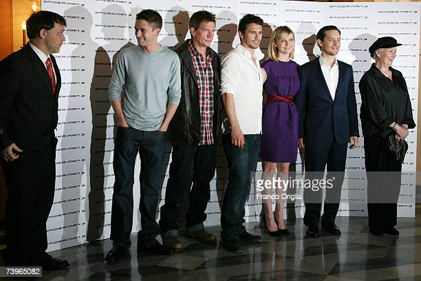 Director Sam Raimi actors Topher Grace Thomas Haden Church James Franco Kirsten Dunst Tobey Maguire and Rosemary Harris attend the Italian photocall...