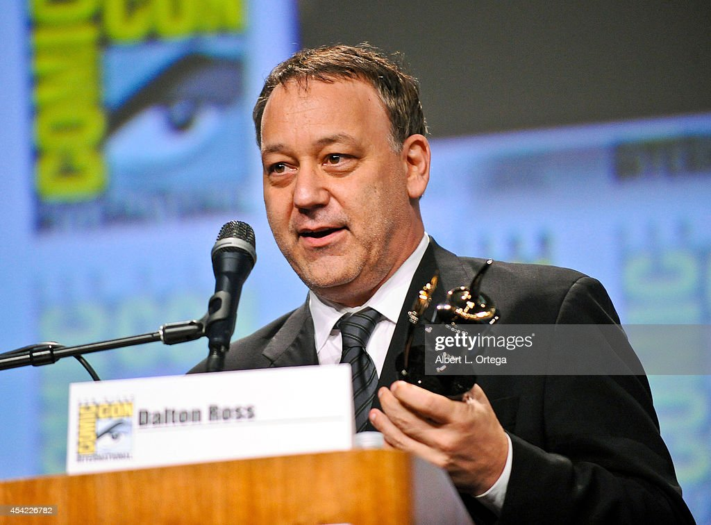 Director <a gi-track='captionPersonalityLinkClicked' href=/galleries/search?phrase=Sam+Raimi&family=editorial&specificpeople=215417 ng-click='$event.stopPropagation()'>Sam Raimi</a> is honored with an Ink Pot Award at the Sony Pictures Presentation for 'The Last Of Us' panel on Day 2 of Comic-Con International 2014 held at San Diego Convention Center on July 25, 2014 in San Diego, California.
