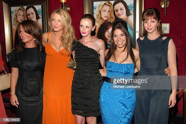 Director Sanaa Hamri with actresses Blake Lively Alexis Bledel America Ferrera and Amber Tamblyn attend the premiere of 'The Sisterhood of the...