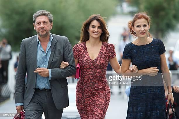 Director Sergio Castellitto Spanish actress Penelope Cruz and Margaret Mazzantini attend the 'Venuto al Mondo' photocall at the Kursaal Palace during...