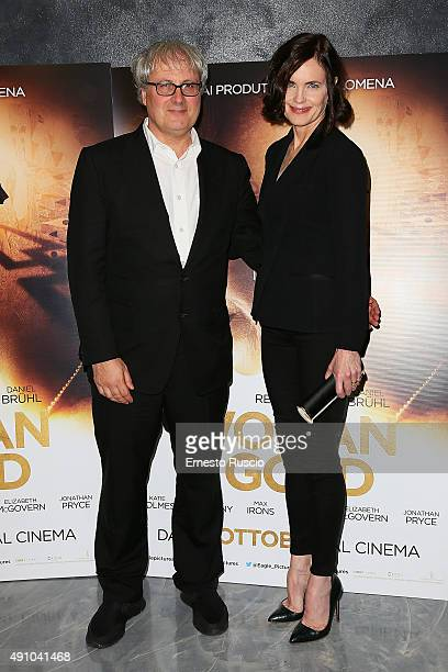Director Simon Curtis and Elizabeth McGovern attend the 'Woman In Gold' premiere at Sala Giulio Cesare In Rome on October 2 2015 in Rome Italy