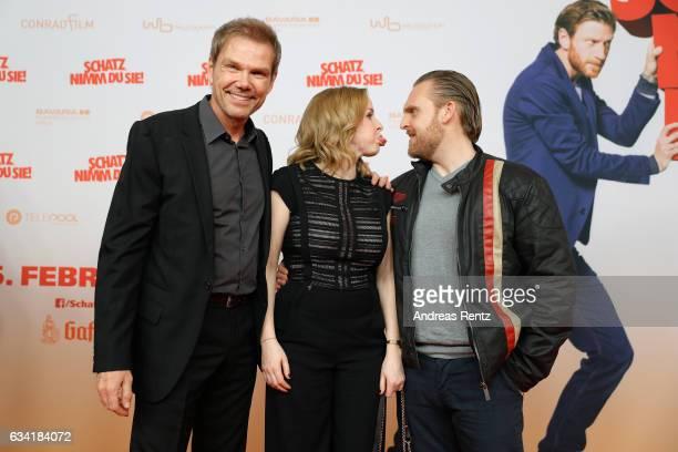 Director Sven Unterwaldt Jasmin Schwiers and Axel Stein attend 'Schatz Nimm Du sie' German movie premiere at Cineplex Cologne on February 7 2017 in...
