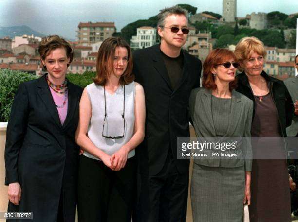 Director Tim Robbins with Joan Cusack Emily Watson Susan Sarandon and Vanessa Redgrave at a photocall on the rooftop of the Palais des Festivals for...