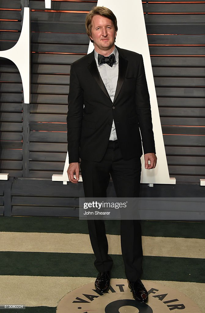 Director <a gi-track='captionPersonalityLinkClicked' href=/galleries/search?phrase=Tom+Hooper&family=editorial&specificpeople=681836 ng-click='$event.stopPropagation()'>Tom Hooper</a> arrives at the 2016 Vanity Fair Oscar Party Hosted By Graydon Carter at Wallis Annenberg Center for the Performing Arts on February 28, 2016 in Beverly Hills, California.