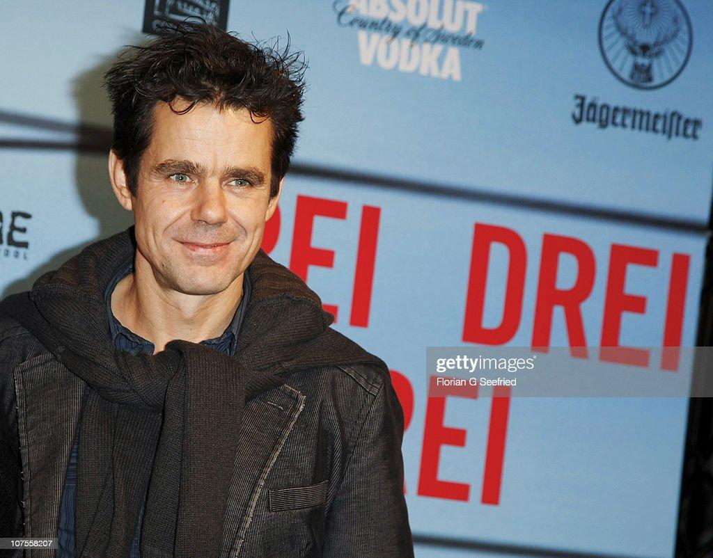 Director Tom Tykwer attends the premiere of 'Drei' at Delphi on December 13 2010 in Berlin Germany
